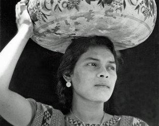 ART NOU 2016. Revisa Ma. Angeles Santos Torroella. Charla Coloquio Vida y Arte